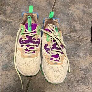 Nike DSMX React trainers
